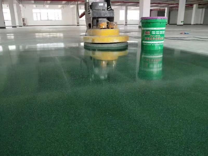 地板打蜡选择固体蜡好还是液体蜡好呢打蜡具体操作方法