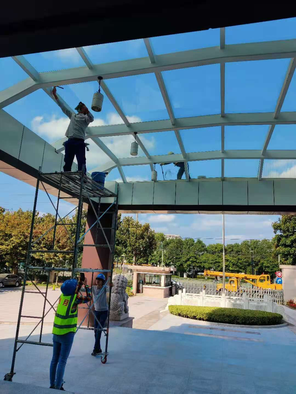上海松江中国海关玻璃清洗