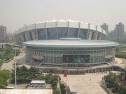 上海体育馆大楼外墙玻璃清洗